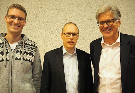 Der neu gewählte Präsident der Kirchenpflege, Hans Schilling (Mitte), mit den beiden neu gewählten Mitgliedern Ulrich Zweifel (links) und Jürg Waldmeier (rechts).