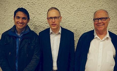 Der neugewählte Kirchenpfleger Felix Moran Subia, Kirchenpflegepräsident Hans Schilling und der nicht mehr zur Wahl angetretene Fredy Siegenthaler (v.l.n.r.)