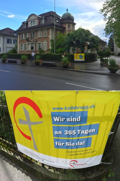 Das Plakat hing an Fronleichnam vor dem Pfarrhaus in Brugg.