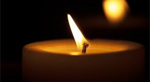 Kerze im Fenster