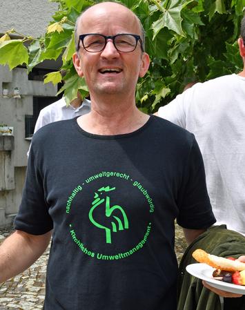 Ein strahlender Andreas Frei, Umweltberater und Begleiter im Zertifizierungsprozess