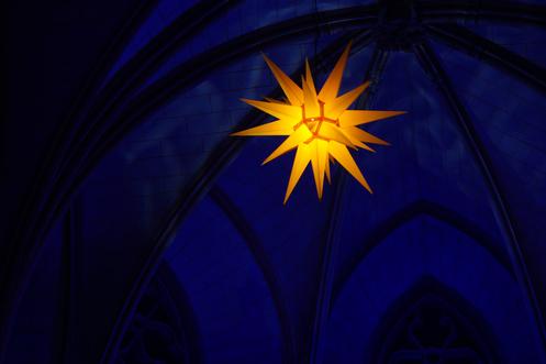 Leuchtender Herrnhuter Stern