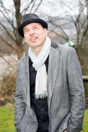 Porträtbild Urs Augstburger, Aussenaufnahme